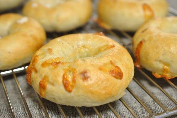 チーズベーグル *いちご酵母