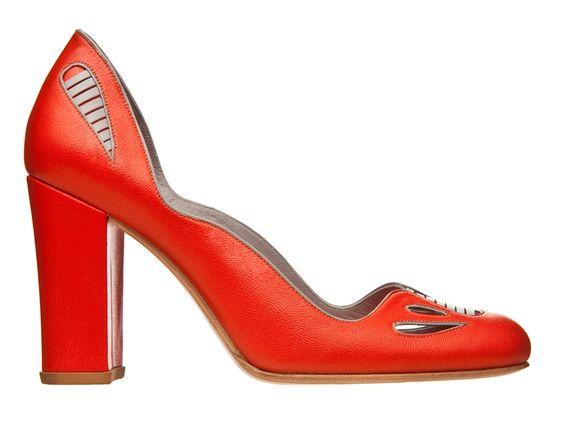 Sarah-Chofakian-verao-2011-sapato-vermelho