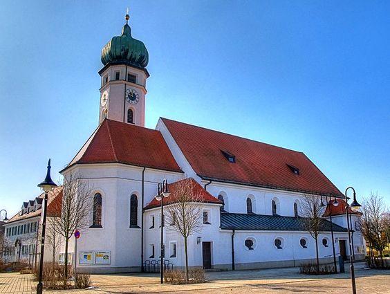 Eichenau kath. Pfarrkirche.