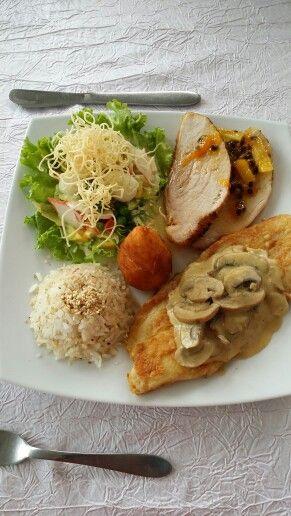 Pernil de cerdo maracuya piña jenjibre + robalo champiñones + arroz ajonjoli + enslada anthony + papa pera