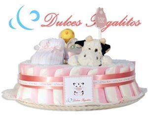 Tarta de pañales Dulce Rosa 1 planta  Como su propio nombre indica, la más dulce de todas nuestras tartas. Un regalo personalizado que jamás olvidarán!!  Incluye un body y un babero bordado con uno de nuestros animalitos y el nombre del bebe  Solo 65€