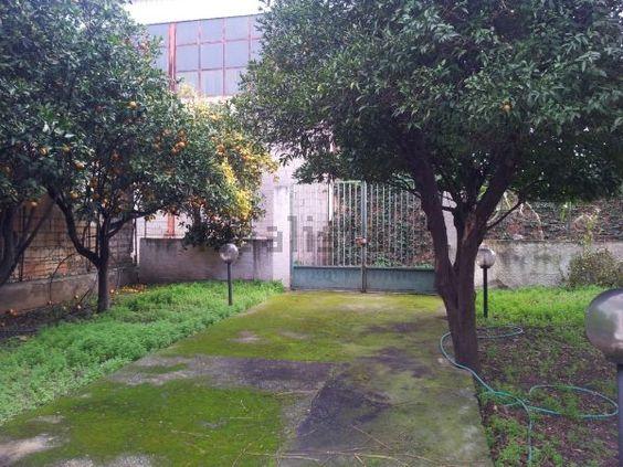 immagine giardino di casa indipendente su via nazionale catona