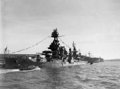 The Battleship Uss Texas Bb 35 At Navy Day Los Angeles October 27th 1945 Uss Texas Navy Day Battleship