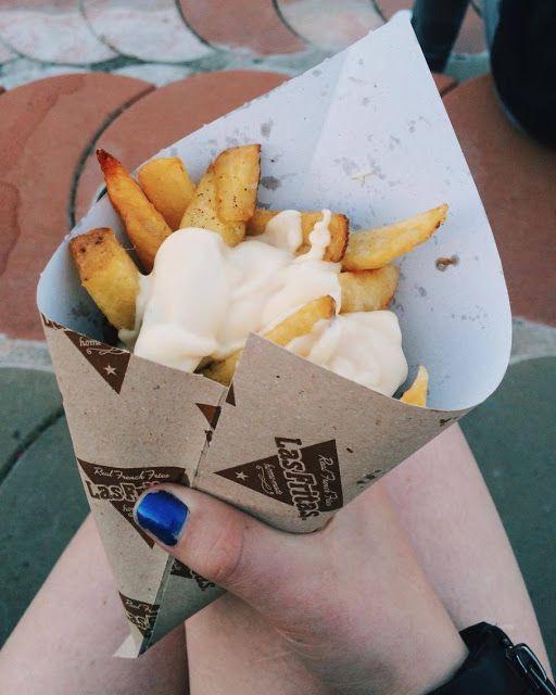 A post about Primavera Sound is up on my blog: http://www.lucid-vision.com/2016/07/primavera-sound-2016.html#.V4k-fvnhDIU #primavera #music #festival #spain #barcelona #food #fries