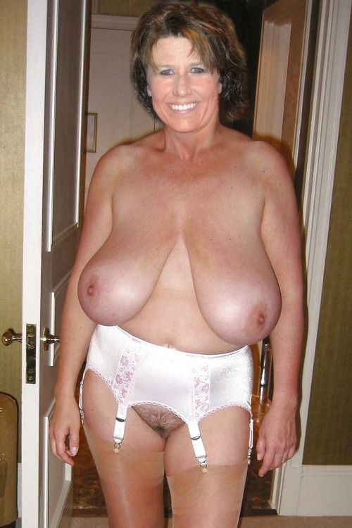 Mature huge old tits
