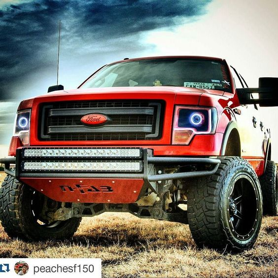 #Repost @peachesf150  #f150 #nfab #fuelwheels #country #pasture #igtexas #ford #morimoto #retrofits #linex #liftedtrucks #cloudporn #hdr #teamnospacers #team12wides #twitter
