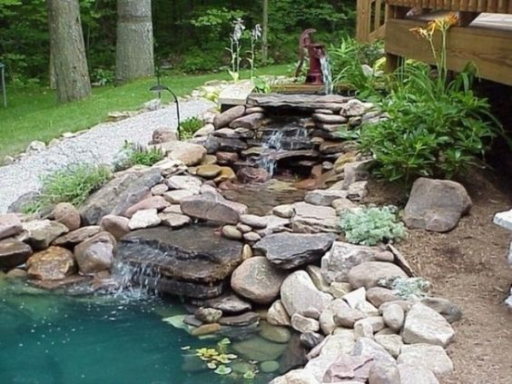 Pflanzen Garten-wasserteich-gestaltung mit flusssteinen-ideen - wasserlauf im garten selbst bauen