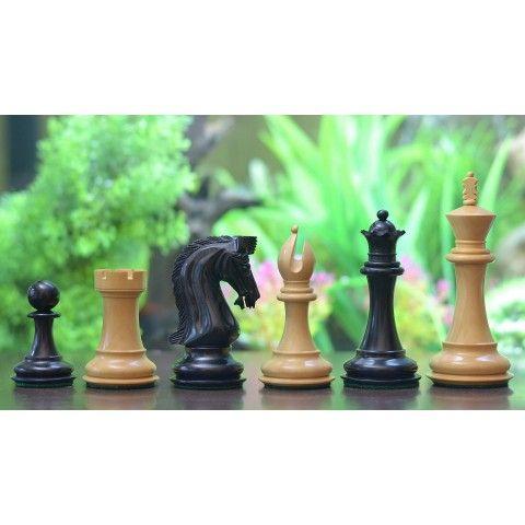 Schöne Caballus Ritter Schachfiguren >> http://www.chessbazaar.de/caballus-ritter-staunton-serie-dreifach-beschwerte-staunton-handgefertigten-schachfiguren-aus-ebenholz-und-buchsbaumholz-konig-115-mm.html