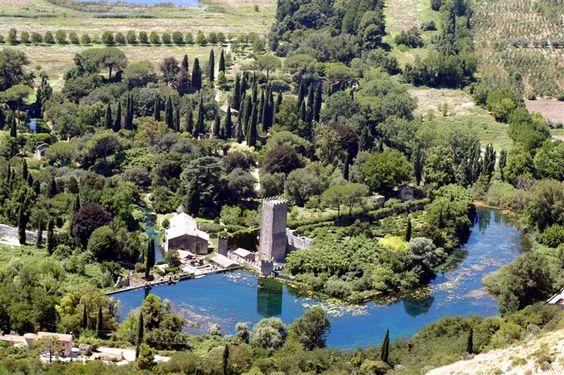 Garden of Ninfa (1921), Cisterna di Latina, Lazio, Italia
