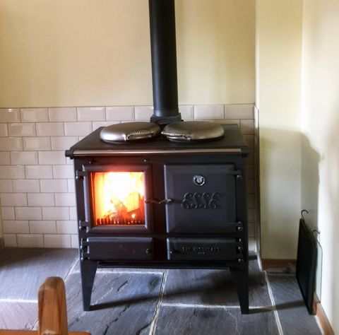 Esse Have Been Making Stoves Since 1854 And They Proudly Continue That Tradition Contin Freestanding Fireplace Wood Stove Installation