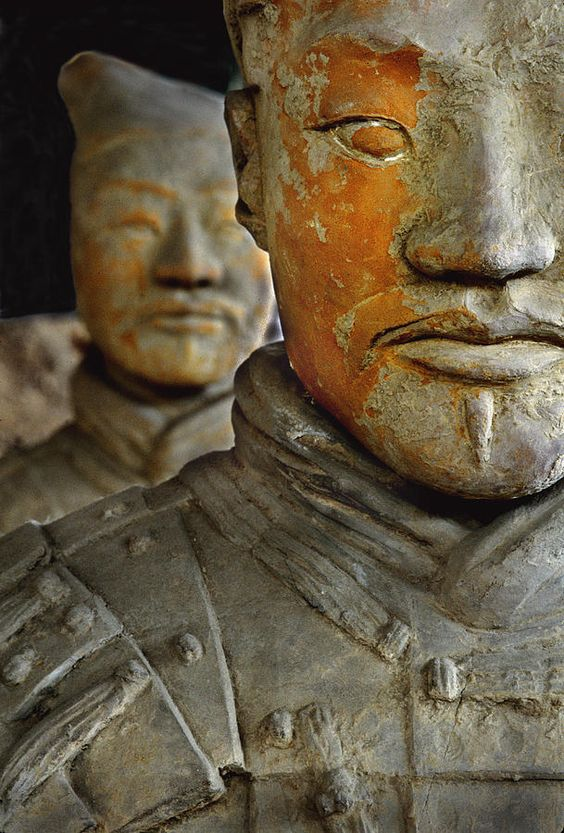 Pigment remains on 2,200 year old terra cotta soldier statue - qin shi huang di -