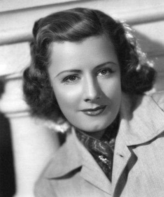 So beautiful, a neat person. Irene Dunne | 1898 - 1990 | Favorite Celebrities | Pinterest