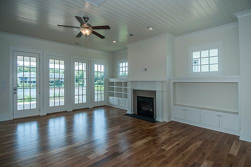 Hardwood Floors & Tons of Light-Perfect!! ---Family Room