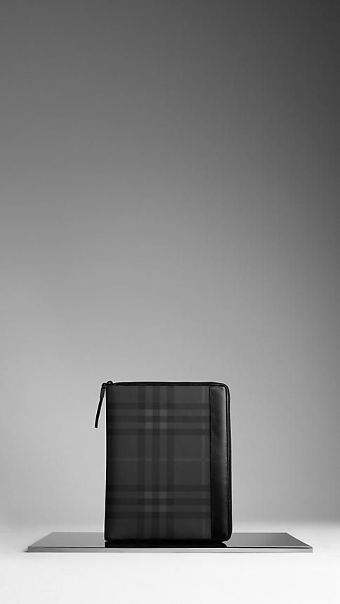 Burrberry iPad Cover
