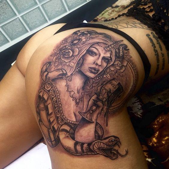 tatuaje bunda