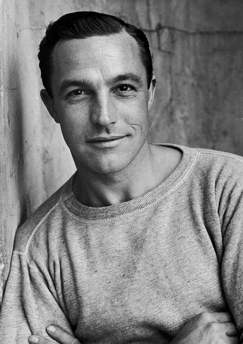 Gene Kelly - Photography by Alfred Eisenstaedt This is a really different picture of him (to my eyes anyway) for some reason. Maybe because it seems a little more relaxed.
