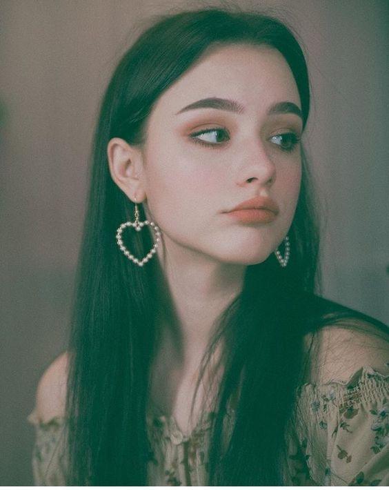 Dasha Taran, Selebgram Dan Youtuber Cantik Asal Rusia