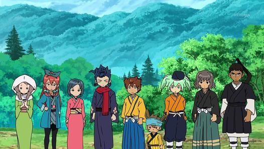 MEGA DéDICACE à 2 FILLES LISE ET ORNELLA Au Japon féodal, les Raimon se mettent à la recherche de Nobunaga Oda. Tandis que Riccardo fait la rencontre d'Okatsu, Arion, JP et Skie rencontrent Tasuke et ses amis et jouent au foot. Arion sauve un des enfants qui se fait kidnapper, puis tous les Raimon arrivent et font la connaissance de Kinoshita Toukichirou, qui leur parle de Nobunaga. La nuit tombée, David Evans dit à Riccardo qu'il doit fusionner avec Nobunaga, et le lendemain, les Raimon se…