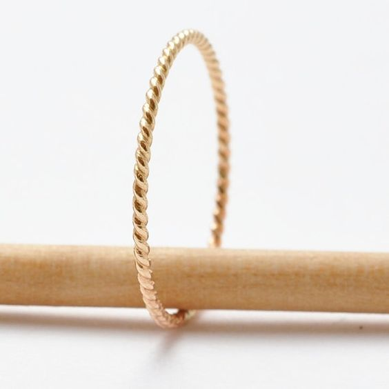 Apiladores de anillo de cuerda trenzada banda banda náutico trenzado anillos apilables BFF pequeño anillo fino anillo de 14K oro joyas llenas de Etsy media embutidora