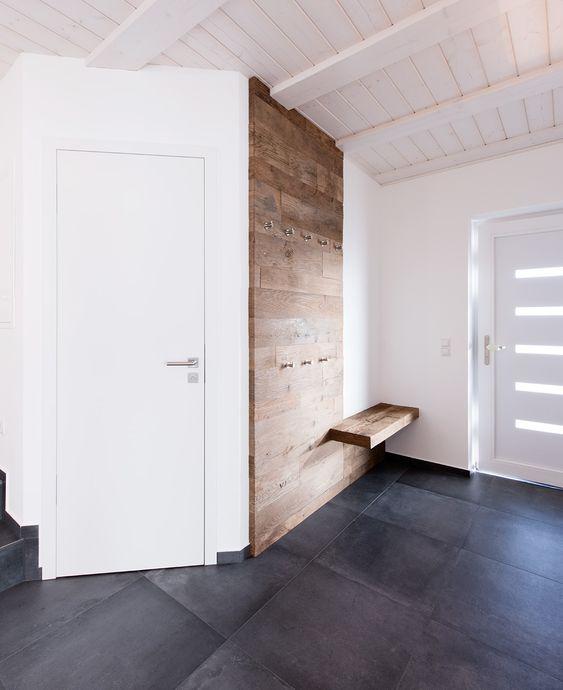GARDEROBE 1 Ausführung Dezember 2015 Kranzberg Alle Projekte DIE VISITENKARTE EINER WOHNUNG! Ein Eingangsbereich muss zum einen praktisch sein und viel Platz bieten, zum anderen soll er in das Gesamtkonzept