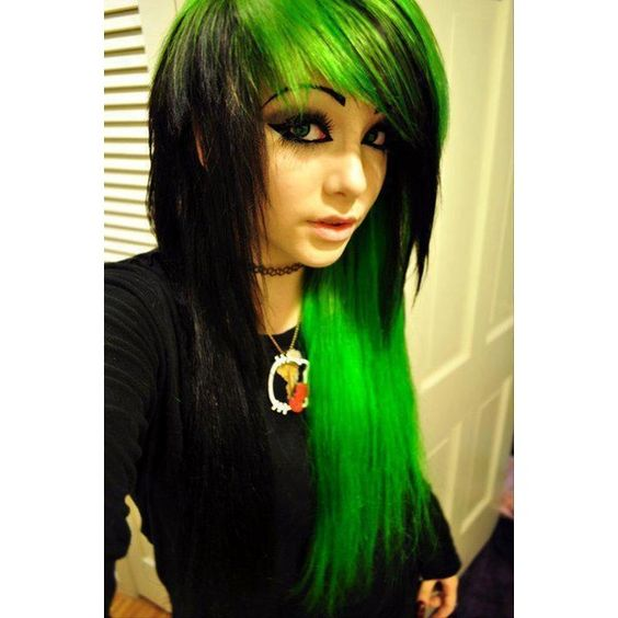 Incredible Emo Girls Middle And Cute Hair On Pinterest Short Hairstyles Gunalazisus