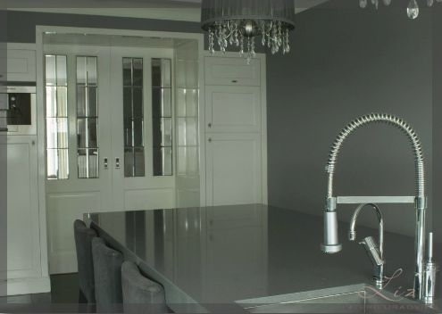 Kamer en suite tussen woonkamer en keuken de entree van deze kamer is sfeervol gemaakt met deze - Versier een entree ...