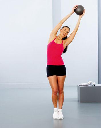 1. Balancement et étirement latéral - 3 exercices pour tonifier vos jambes et votre abdomen