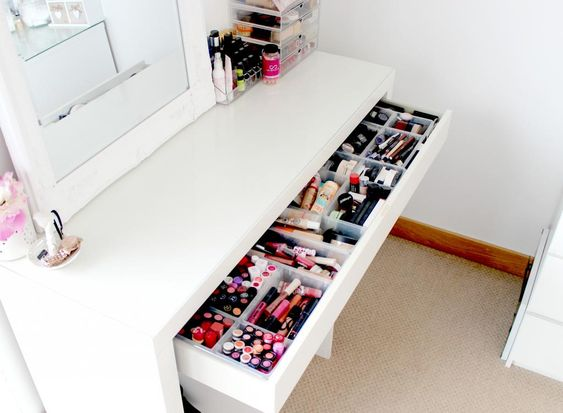 Ikea malm dressing table makeup and beauty storage ideas makeup storage inspiration muji - Opslag voor dressing ...