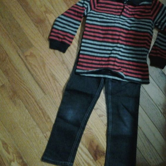 These are biys pants and shirt size 5. Blaxk skinny jeans and black grey and red button up shirt both by wonder kids. Pants Skinny