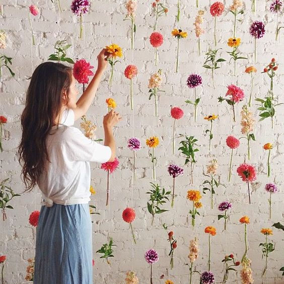 This flower wall is everything! #regram from the talented (and very sweet!) @mooncanyon #flowerlove Posted by @greenweddingshoes