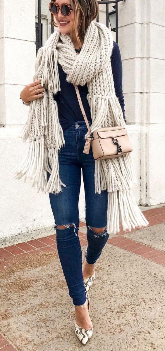 Prendas con flecos que deberías agregar a todos tus outfits