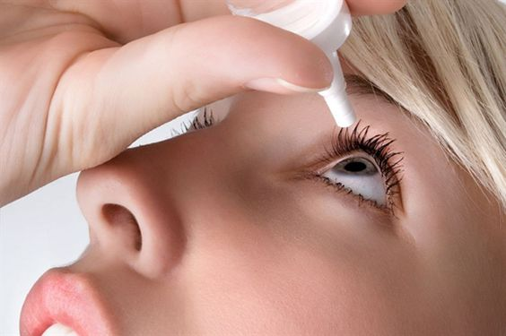 dùng thuốc nhỏ mắt đúng cách