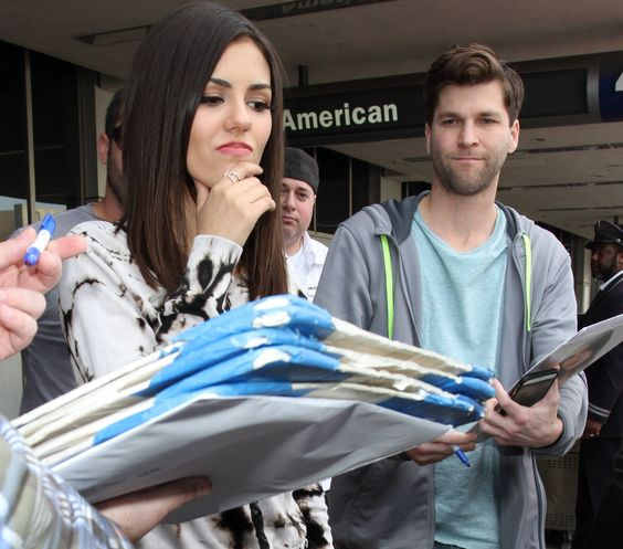 Victoria Justice, At the LAX, January 8, 2015