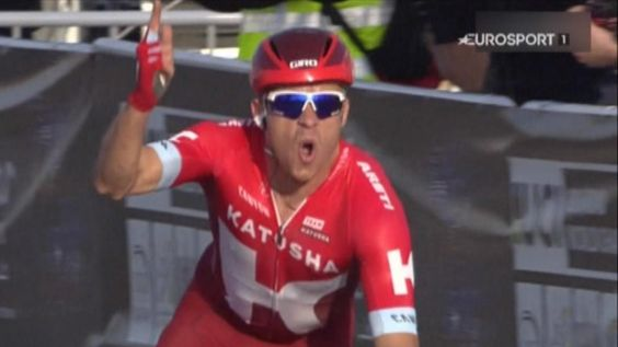 VIDEO - Alexander Kristoff remporte la 4e étape au sprint - TOUR DU QATAR - Alexander Kristoff (Katusha) a remporté jeudi sa deuxième victoire en trois jours sur le Tour du Qatar, dont Mark Cavendish (Dimension Data) est le nouveau leader suite aux déboires...