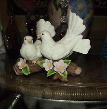 Homco Home Interior Figurine 1453 Love Bird Doves Cherry