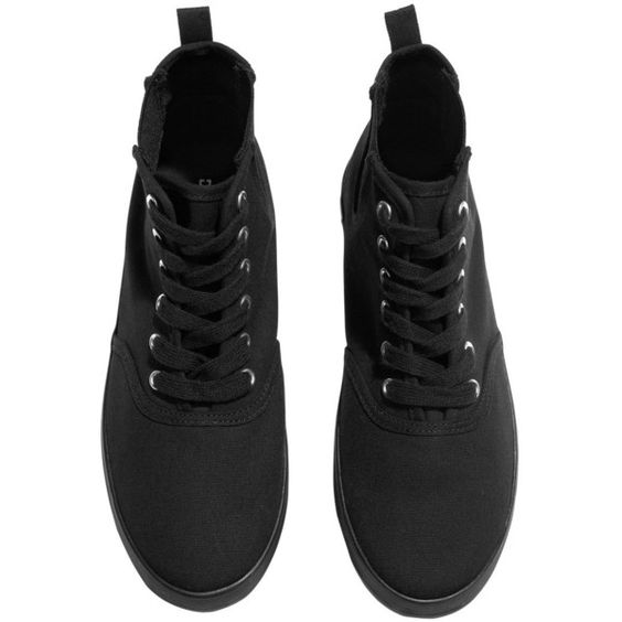 H&M Sneakers (2.335 HUF) ❤ liked on Polyvore featuring shoes, sneakers, black, black rubber sole shoes, h&m shoes, black canvas sneakers, kohl shoes and cotton shoes