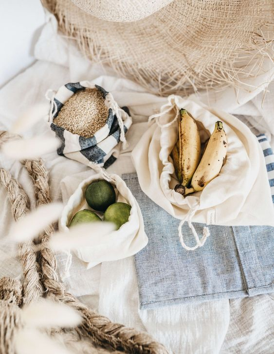 Recycled Linen Snack Produce Bags Sustainable Nowhere & Everywhere Zero Waste Scrap Fabric #zerowaste #plasticfree #snackbags #snacks #snackideas