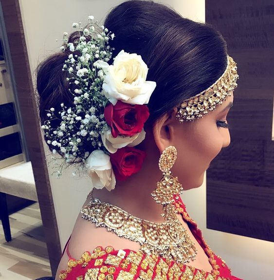 Instagram Alert Fresh Flower Hairstyles Super Pretty Ways To Use Flowers In Your Hair Witty Vows Bridal Hair Buns Indian Bridal Hairstyles Wedding Guest Hairstyles