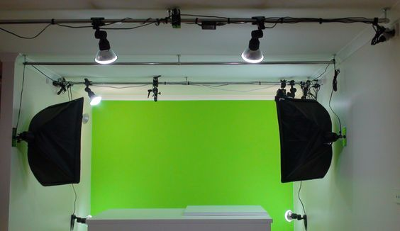 Google Image Result for http://www.victoriahansen.com/wp-content/uploads/2011/07/GreenScreen-Studio.png