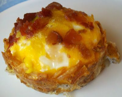 Birds Nest (Press hashbrowns in muffin tin, bake 15 min. Add egg, bacon, cheese for 15-20 more.) yumm