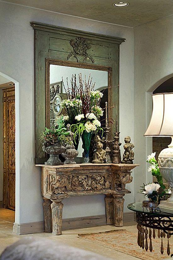 decorar el recibidor con muebles antiguos consola de