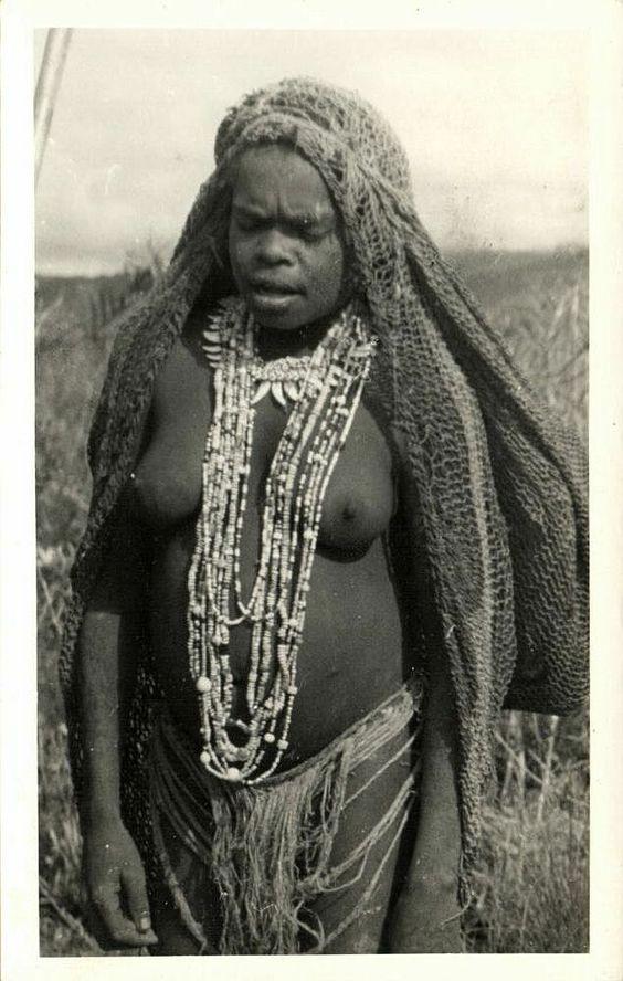 Nude Papua 121