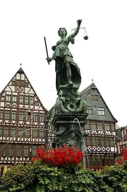 Justitia-Brunnen