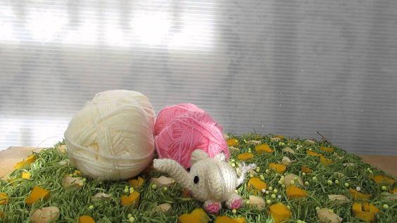 Elefantino realizzato con tecnica Amigurumi, portachiavi, ciondolo borsa, zaino, ciondolo porta fortuna, ecc. Realizzato a mano e lavorato a uncinetto!! Per info e dettagli https://www.youtube.com/watch?v=hXCX4kziWMk&list=UURr2L9t0hDRxIzmM8RR5n7w Elephant made with technical Amigurumi, key rings, pendant bag, backpack, good luck pendant, etc. Made by hand and crocheted !! For info and details https://www.youtube.com/watch?v=hXCX4kziWMk&list=UURr2L9t0hDRxIzmM8RR5n7w
