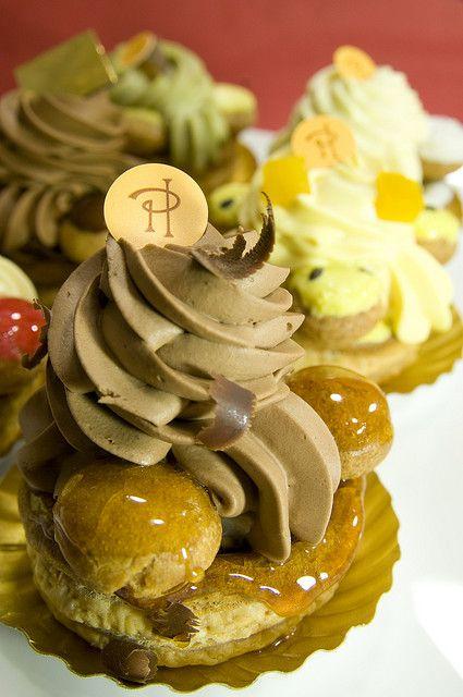 Saint honor au chocolat poires saint honor pierre for Cake au chocolat pierre herme