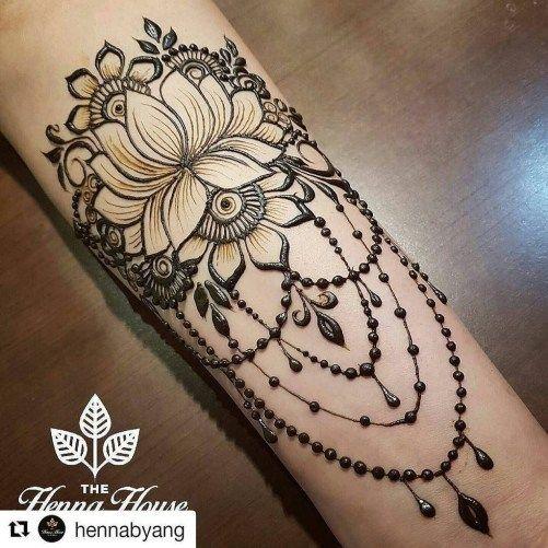 23 Cute Henna Lace Arm Tattoo Design You Should Try Aksahin Jewelry Henna Tattoo Designs Henna Tattoo Designs Arm Henna Arm Tattoo