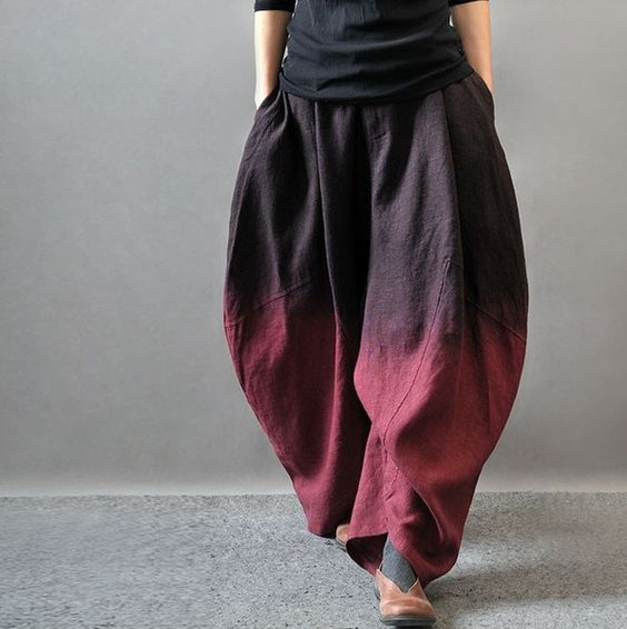 100% linen Loose style pants Elastic waist,The maximum stretch to 106 cm Item CM Inches Waist:  78-106 30.71-41.73 Hip:  126 49.61  Thigh:  116