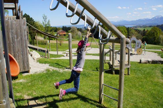 Abenteuerspielplatz am Gasthof Weingarten - Erlebnisweg Ratzinger Höhe nahe Chiemsee im Chiemgau. Familienausflug und wandern mit Kindern