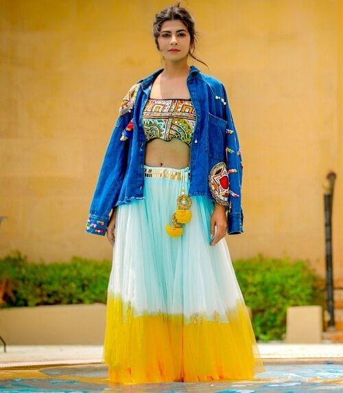 Yellow And White Ombre Chaniya With Embroidered Blouse