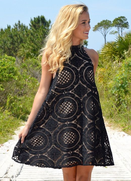 Judith march scallop lace maxi dress
